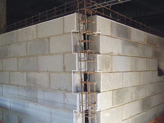 斜顶屋顶钢筋结构图