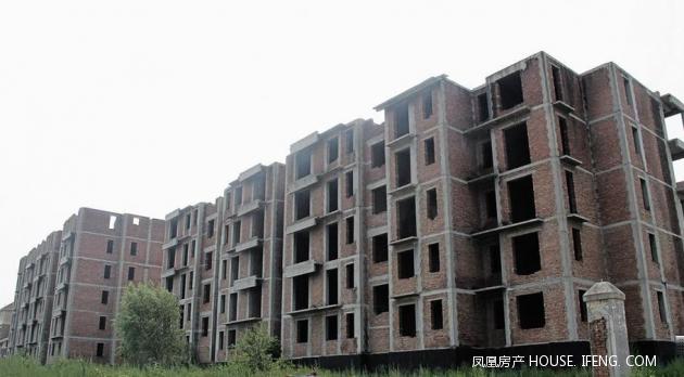 彩石山庄是三联于2006年推出的房地产项目