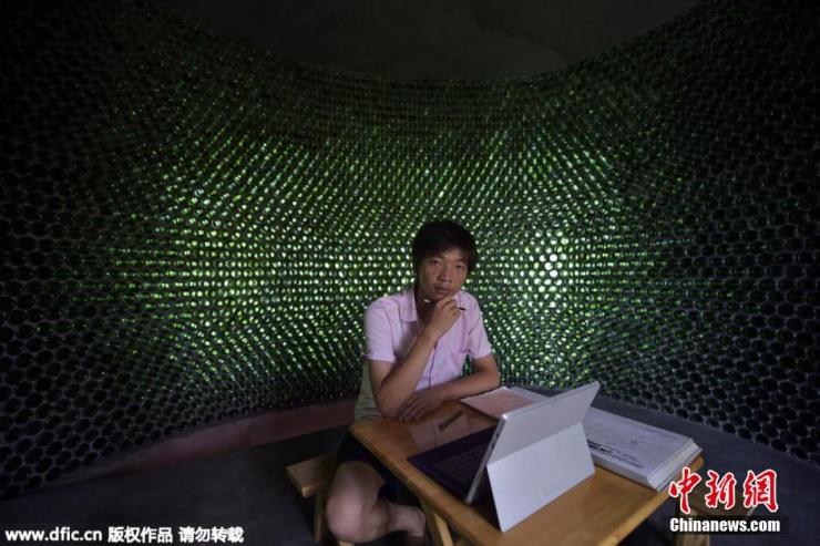 6月大学毕业季,当别人都在找工作或准备考研时,綦江区大学毕业生李荣均,却在计划着自己的创业梦想——