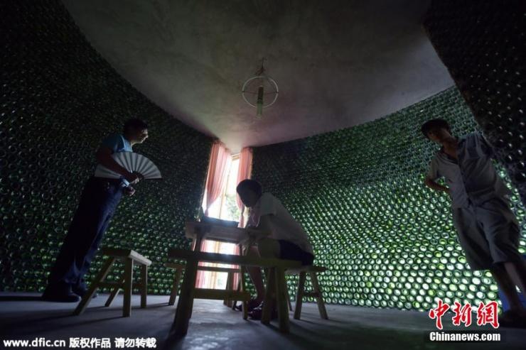 """开始梦想前,他制订了一套""""心智磨练计划""""。在内蒙古科技大学读建筑系专业的他,在大四暑假,用了22天"""