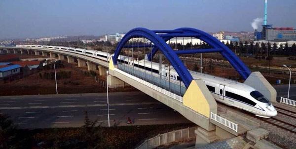 青荣城铁跨过遵义路 2016年开通青岛方向