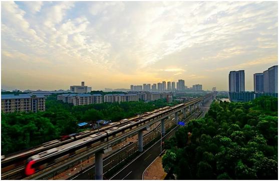 已开学的树人小学大学城校区和在建中的重庆一中大学