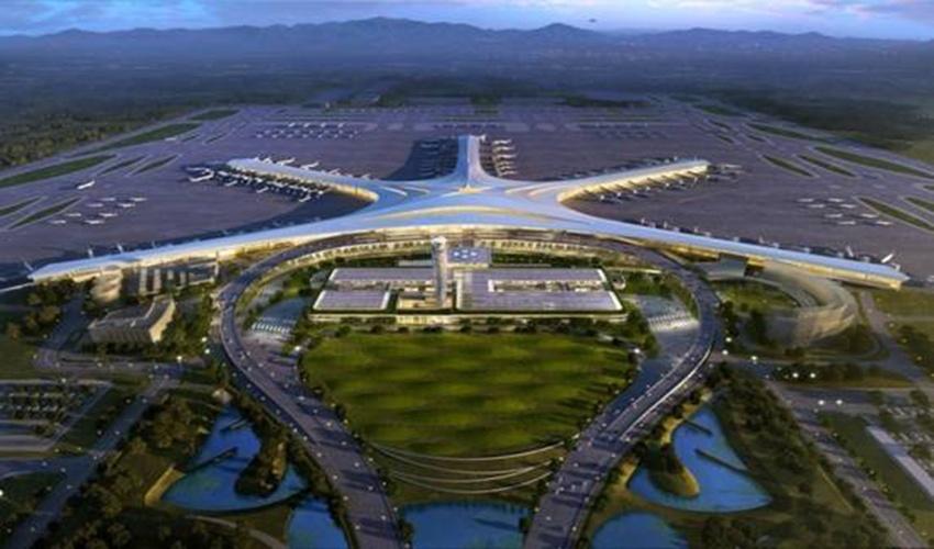 青岛新机场位于青岛市西北,胶州市胶东街道办事处辖区内,占地约15.