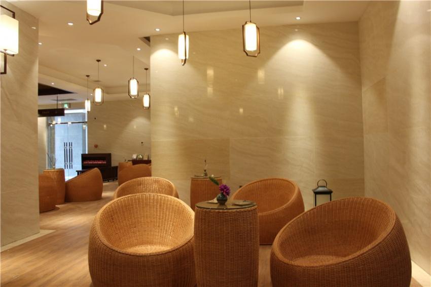 亲子水上乐园,茶餐厅为一体的室内综合性场馆,在这里可以亲子互动的图片