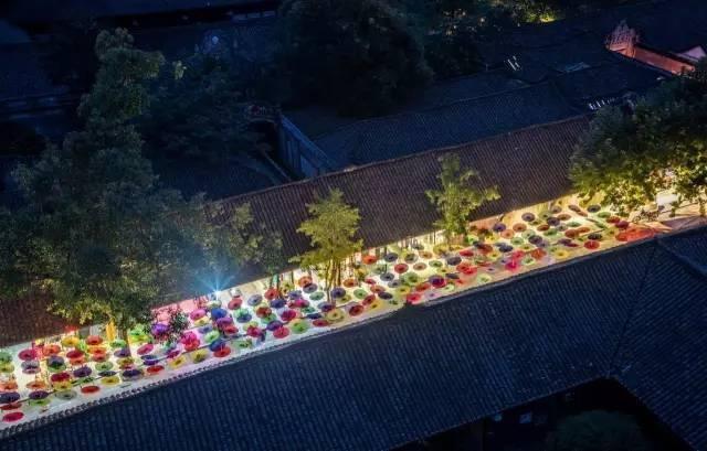 产业新城  与此同时,华侨城精耕四川,签署安仁,天回,黄龙溪三大名镇图片