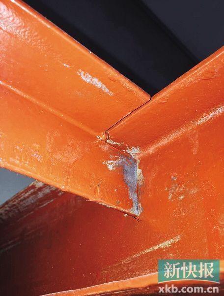 罗先生称,部分钢结构只进行了点焊搭接,未进行后续满焊施工.