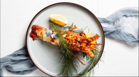 龙湖天奕周末举办波士顿龙虾料理互动课堂 打造顶级生活体验活动