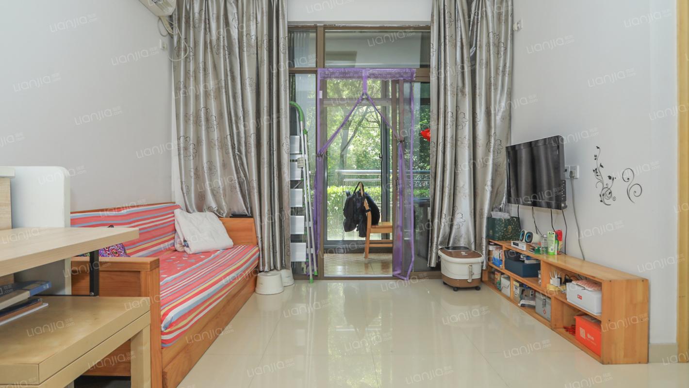 一楼带大花园,产权清晰,诚意出售,总价低单价便宜