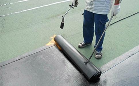 卫生间防水层的涂刷方法