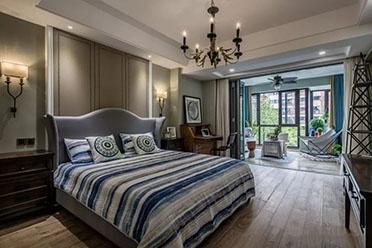 买卧室带阳台房子,窗帘这样布置
